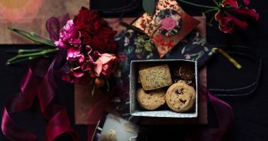 Merry-bag goodiebag cadeau feestdagen Kerstmis bloemen geschenk Fleur Magazine