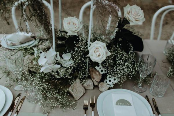 table stories tables for all occasions tafeldecoraties home parties voor alle gelegenheden trouw huwelijk trouwpartij jubileum fotoboek inspiratie picknicktafel feestinspiratie feesttafel tafelaankleding inrichting tafelmomenten creaties bloemen designs bloemsierkunst bloemschikken bloemendecoraties lifestyle trends trendy bloemschikboek tafelideeën bloemenideeën 25 internationale stylisten tips info diner professionele table dressing fleur creatief fleur magazine florist bloemist bloemenliefhebber hobby