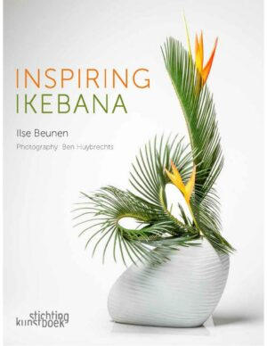 Nieuw in de FLEURSHOP: Inspiring Ikebana van de wereldberoemde ikebana-kunstenaar Ilse Beunen. Meer dan 40 prachtige ikebana-creaties, zowel in traditionele als in moderne stijl, worden rijkelijk geïllustreerd met gedetailleerde stap voor stap-foto's van het creatieve proces. Makkelijk te volgen en met garantie op een schitterend eindresultaat!