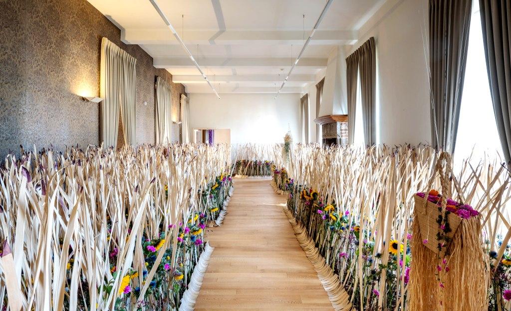 FLEUR: Bekijk de fotogalerij met de hoogtepunten van de bloemententoonstelling Fleur Floral Fashion by Fleuramour die eind september plaatsvond in Alden Biesen.
